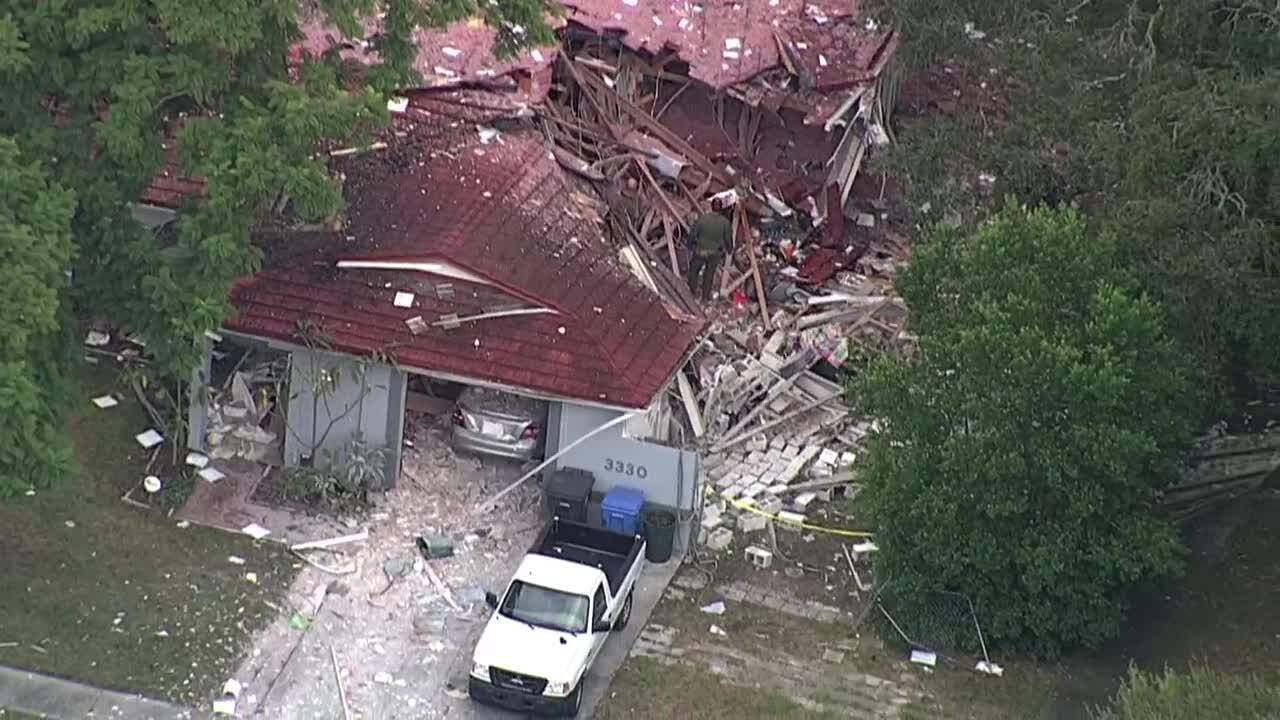 HOUSE EXPLOSION IN SEFFNER (3).jpg