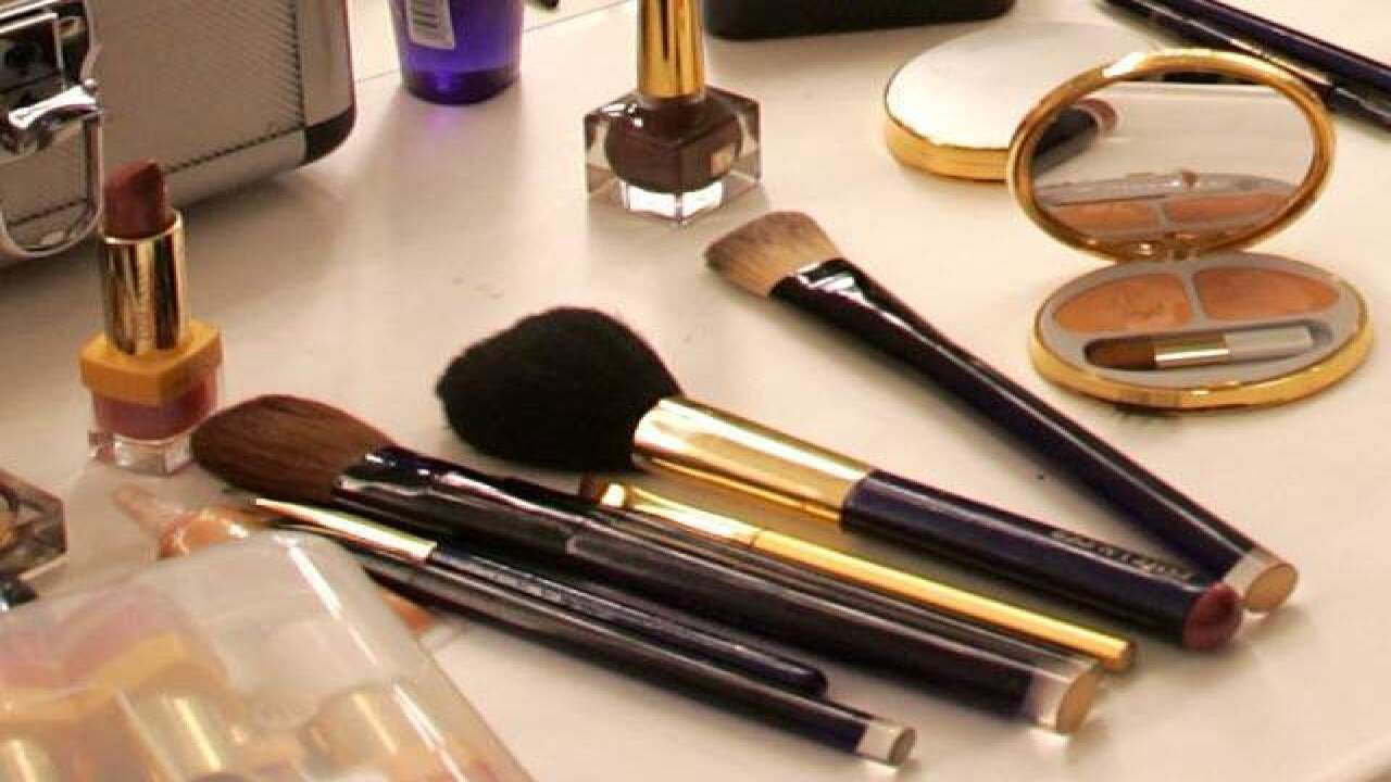 Mystery makeup bills women for 'free' samples