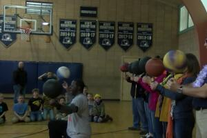 Basketball trickster delights Great Falls students