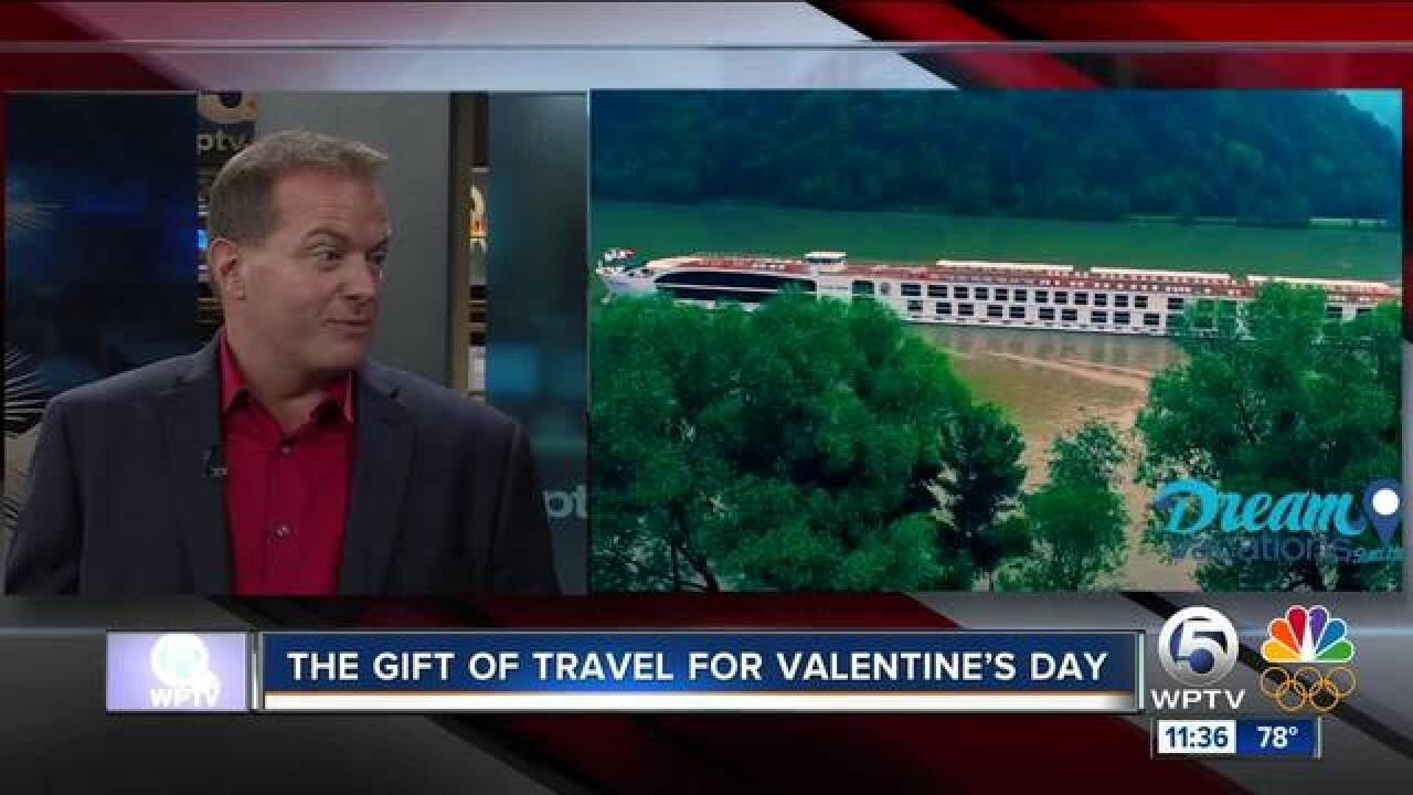 Travel gift ideas for Valentine's Day