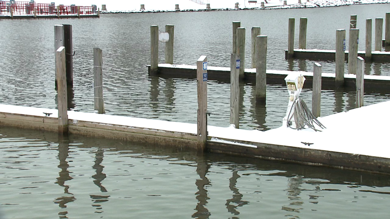 south haven high water at marina 020620.png
