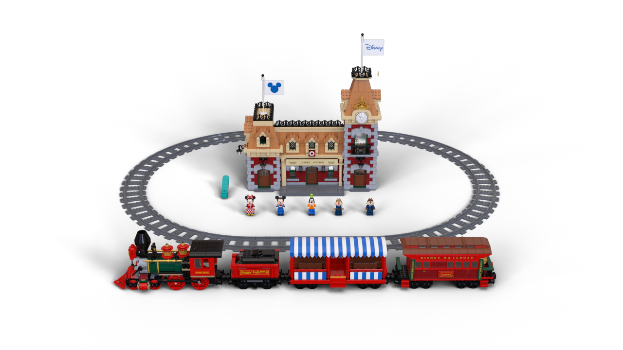 disneyland lego train set_03.png