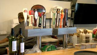 sarah-hollenbeck-photo-reopening-bars-florida2.png