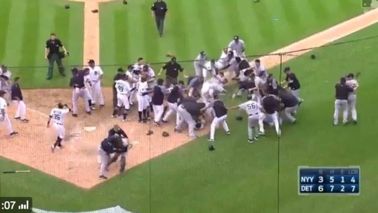 Tigers, Yankees clear benches at Comerica
