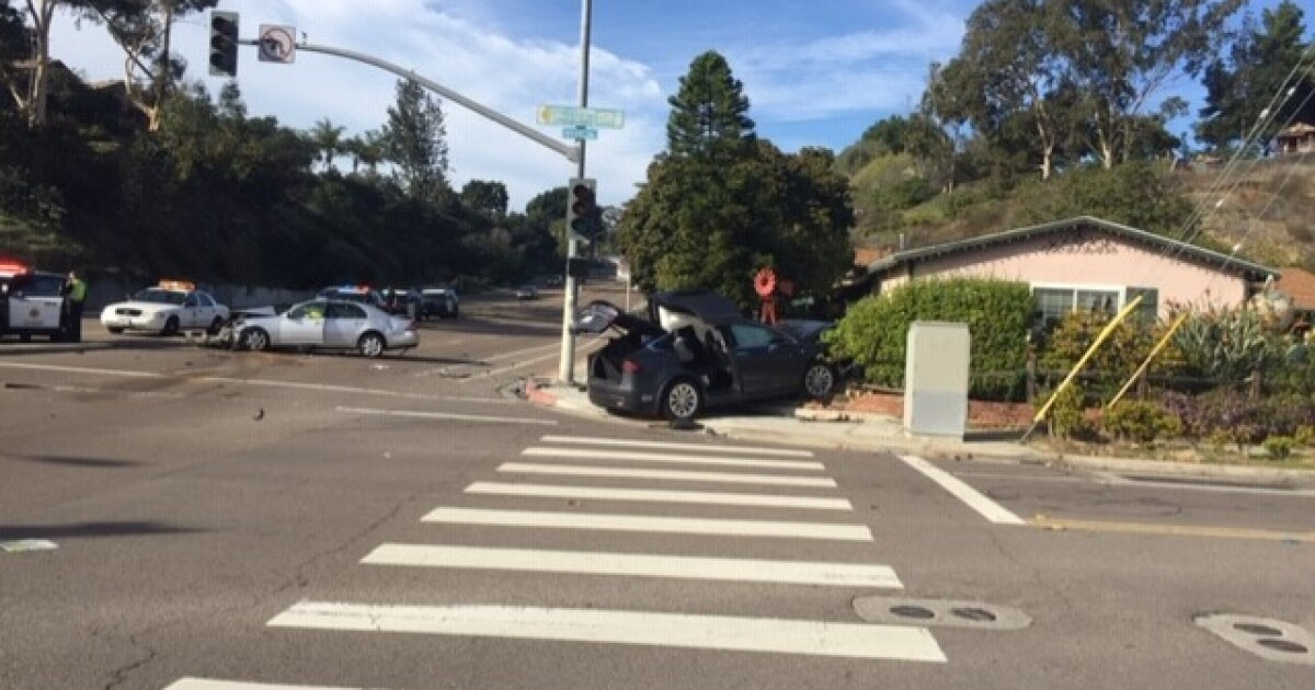 Witness comforts driver as he dies from crash injuries