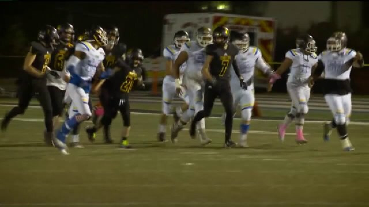 Student with special needs scores touchdown during high school game in Murray