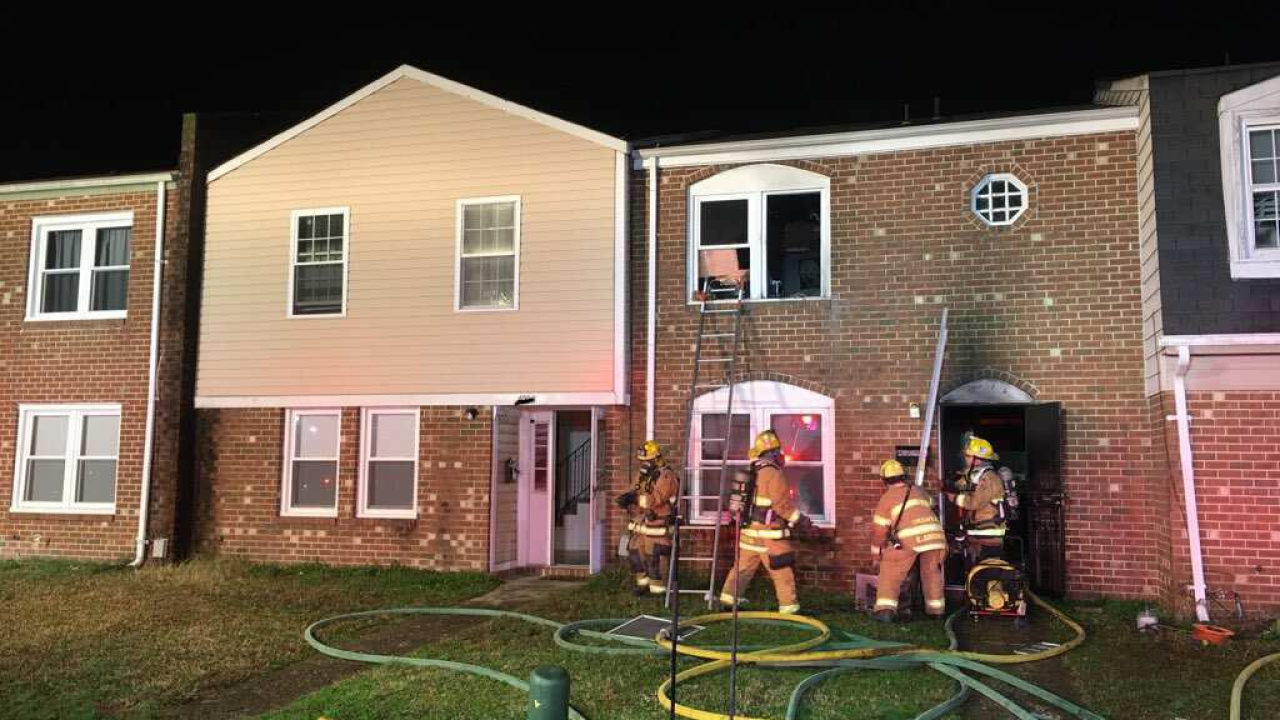 2 adults, 3 children displaced after Chesapeake housefire