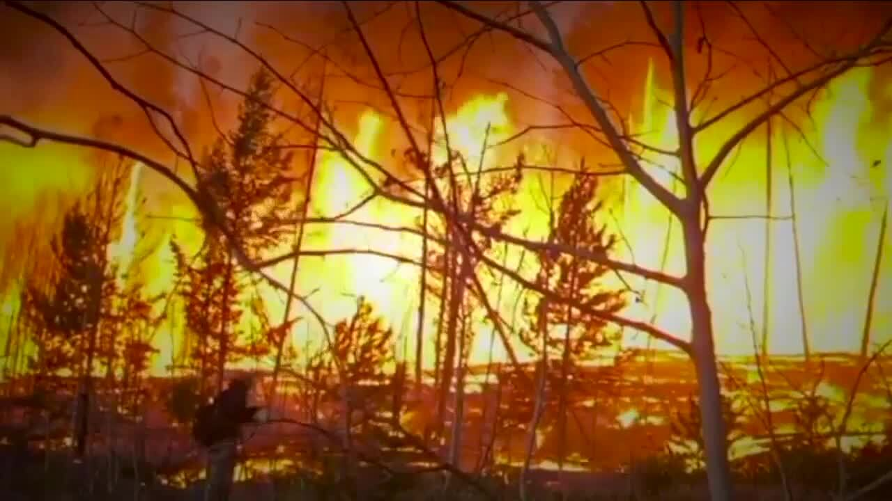 """It was like a freight train"": Homeowner in Colorado narrowly escapes East Troublesome Fire"