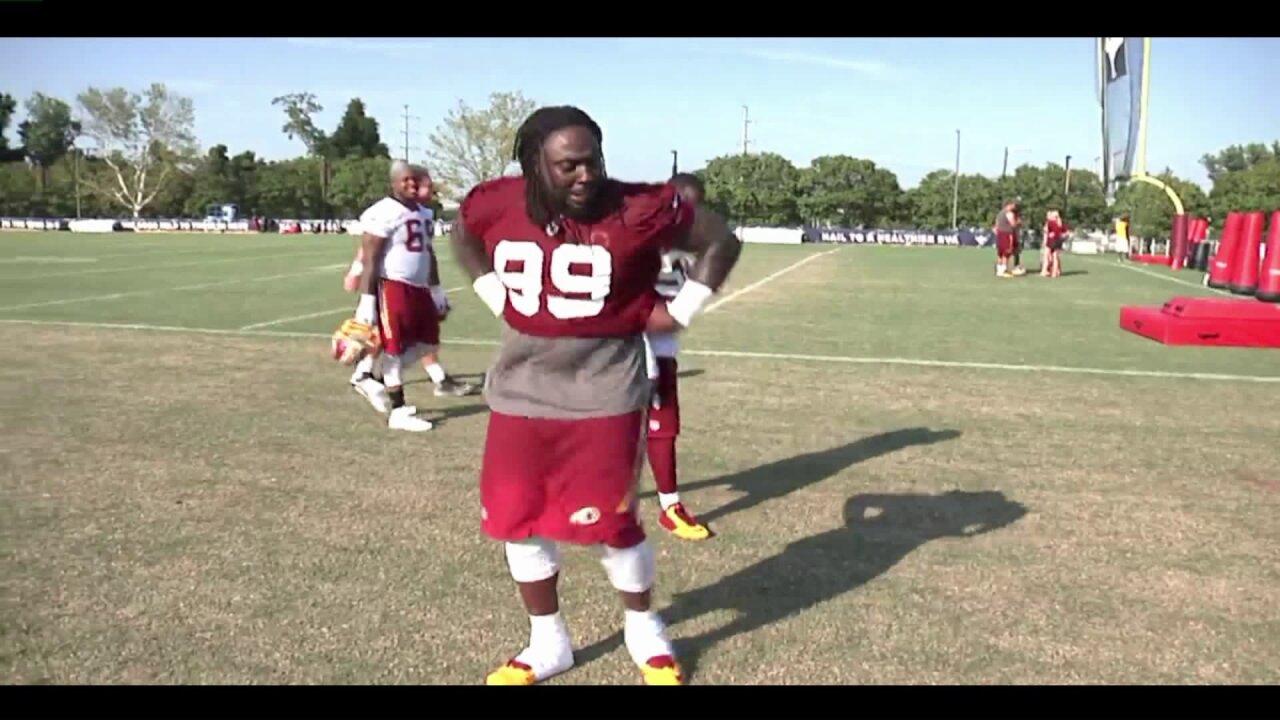 Redskins' Ricky Jean Francois brings back 'Peanut Butter Jelly'dance