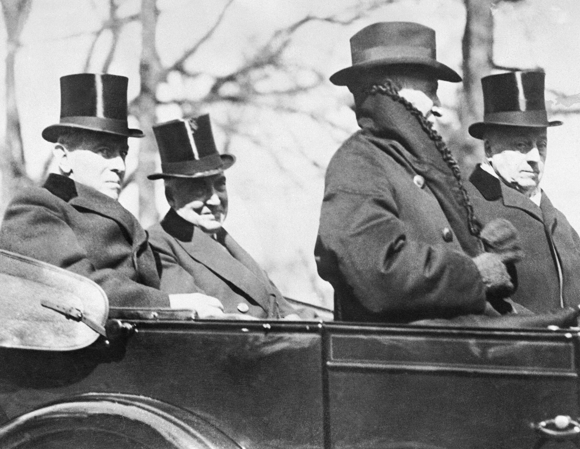 Warren G. Harding, Woodrow Wilson