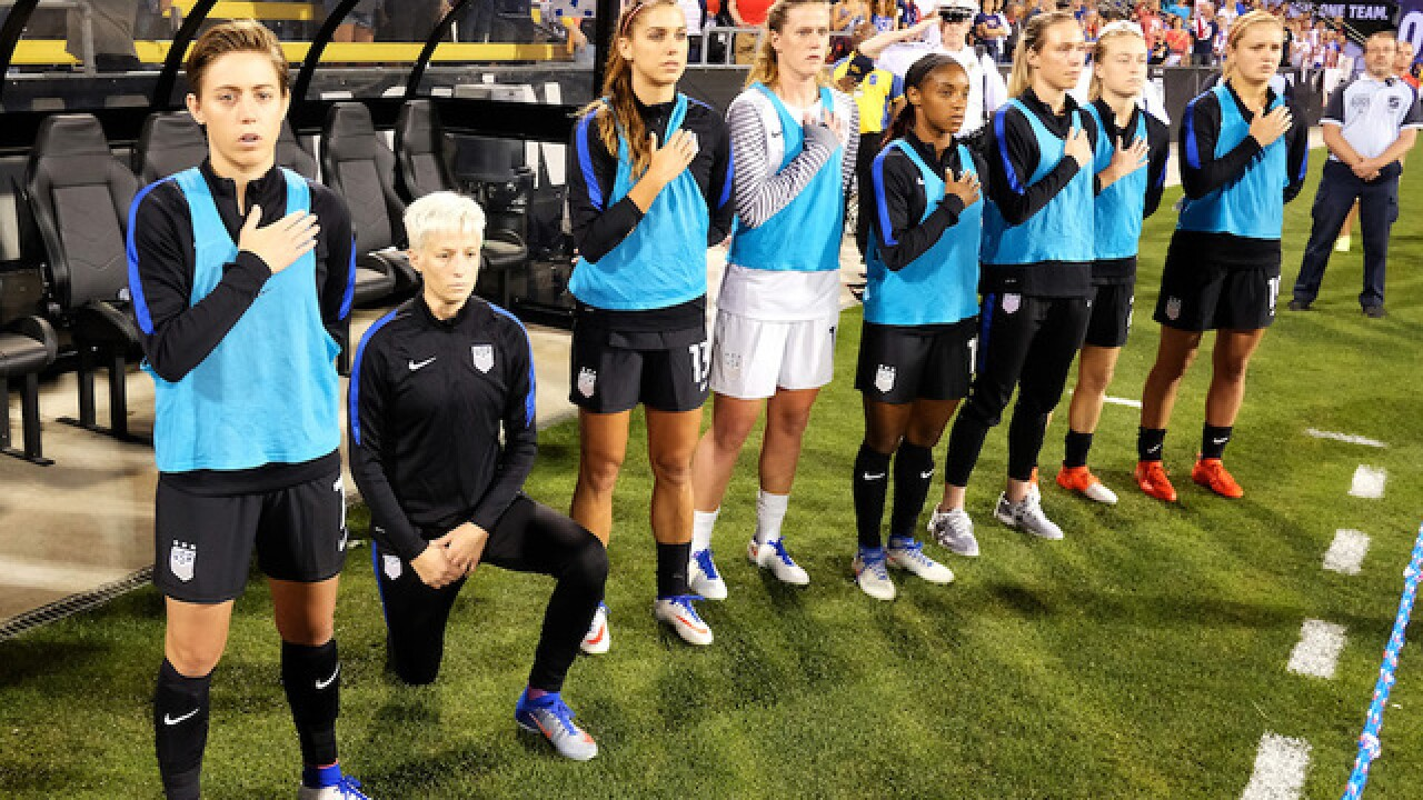 US Soccer forces players to stand for national anthem with new bylaw