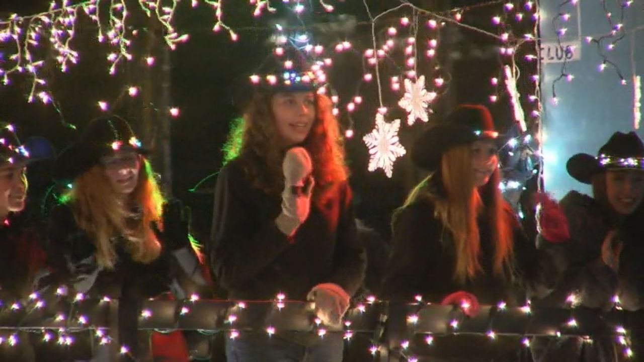 Festival of Lights Parade draws more than 60,000 people