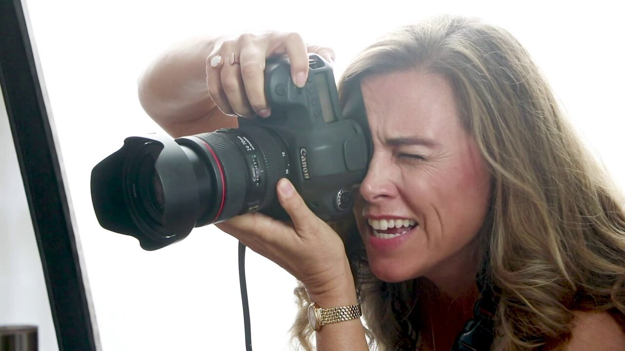 Photographer offering discounted headshots to help your job search