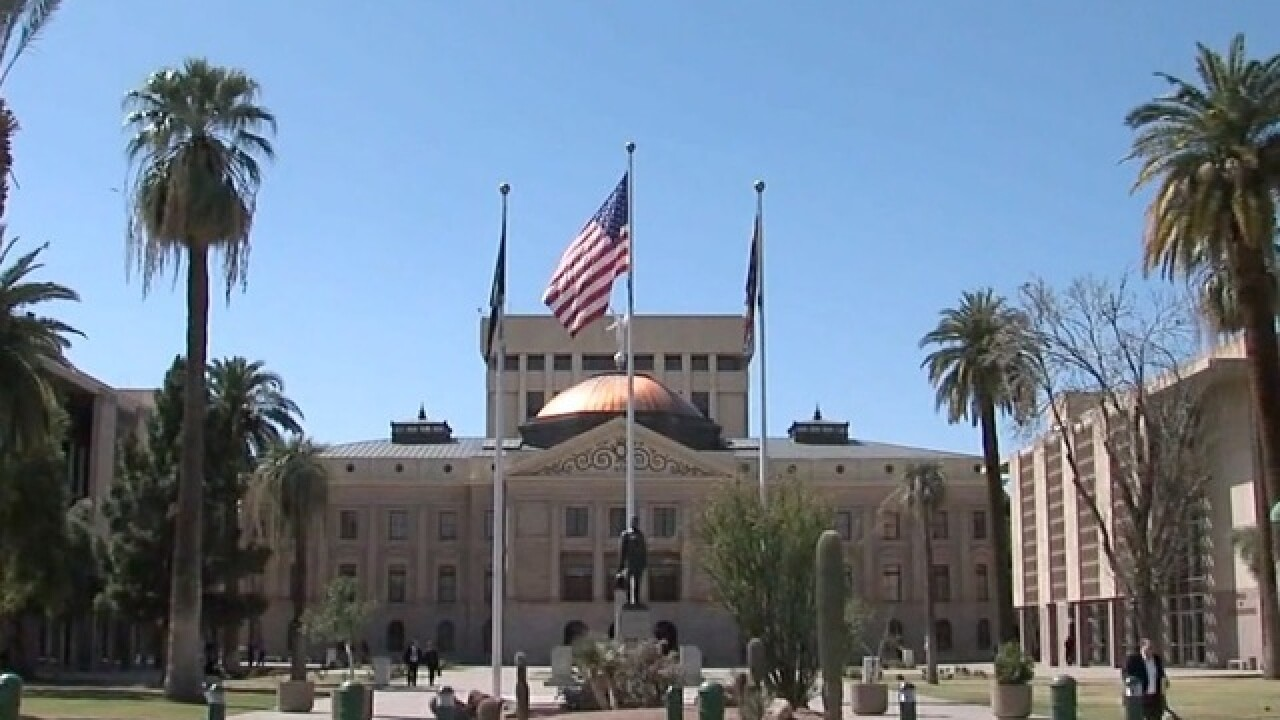 Arizona Legislature's budget analysts predict 2018 shortfall
