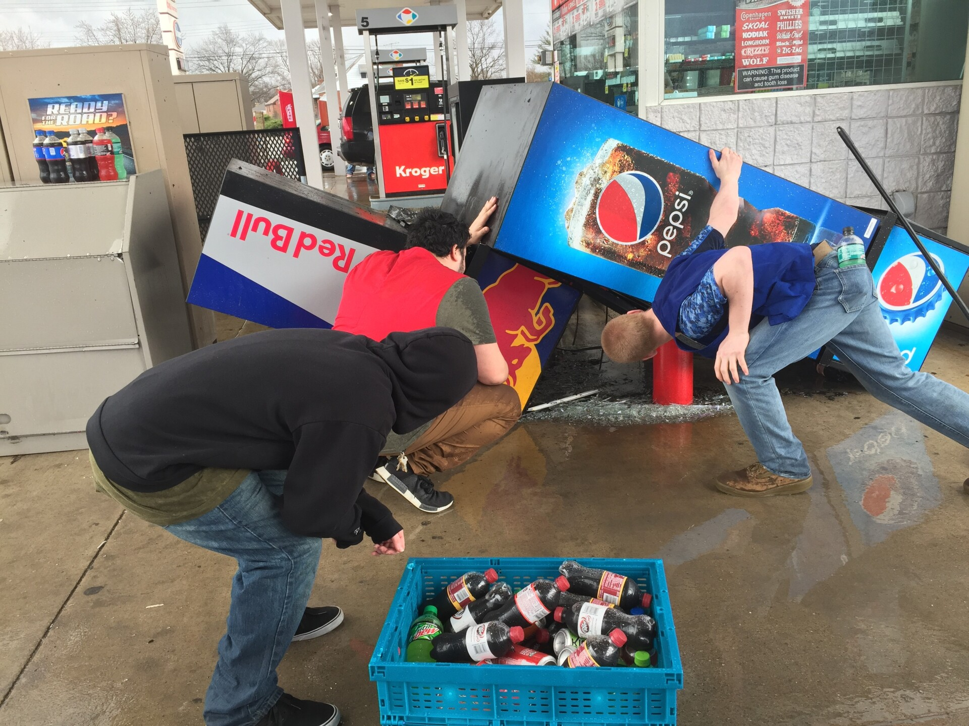 Storm_031419_Kroger fuel center in Latonia from high wind_Brittany Cowart.jpg