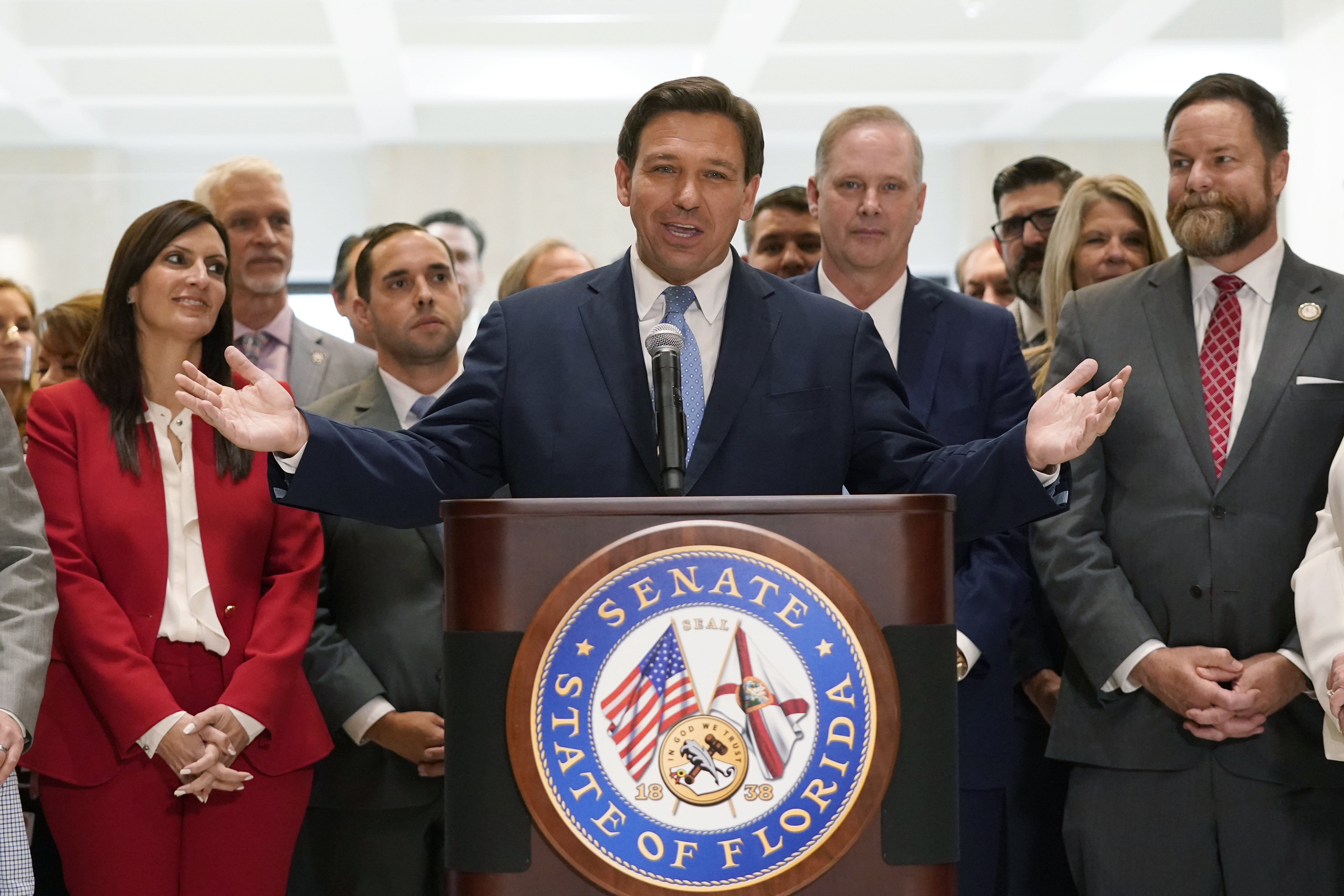 What happens if Gov. Ron DeSantis leaves office to become president?